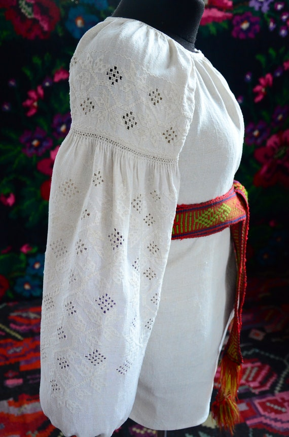 COLLECTIBLE Ukrainian dress!!! Unique cutting wor… - image 7