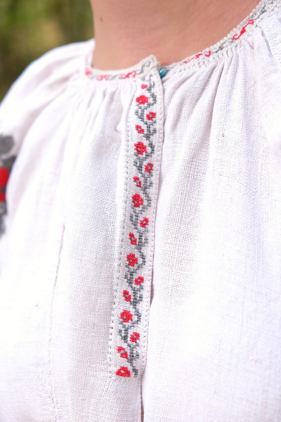Ukrainian dress! Embroidered Ukrainian vintage dr… - image 8