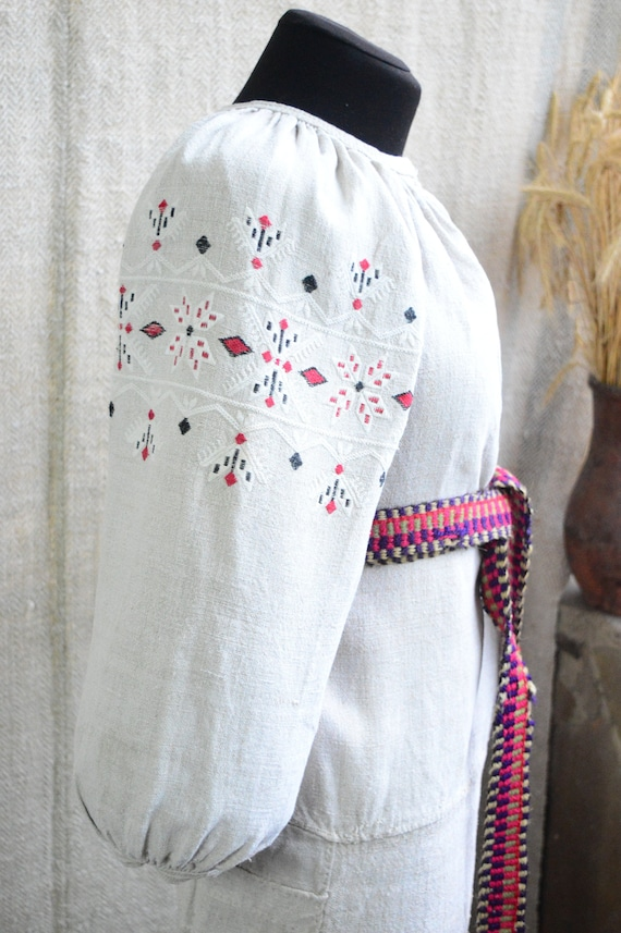 Ancient CHERNIGIV red/white embroidery!!! Beautifu