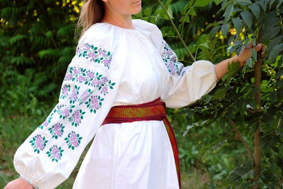 Antique PURPLE embroidery! Lovely Ukrainian dress