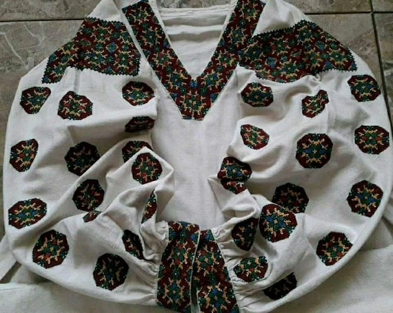Interesting vintage blouse Linen antique blouse Ge