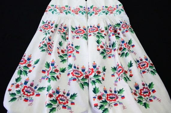 Lovely Ukrainian dress Beautiful embroidery Extrao