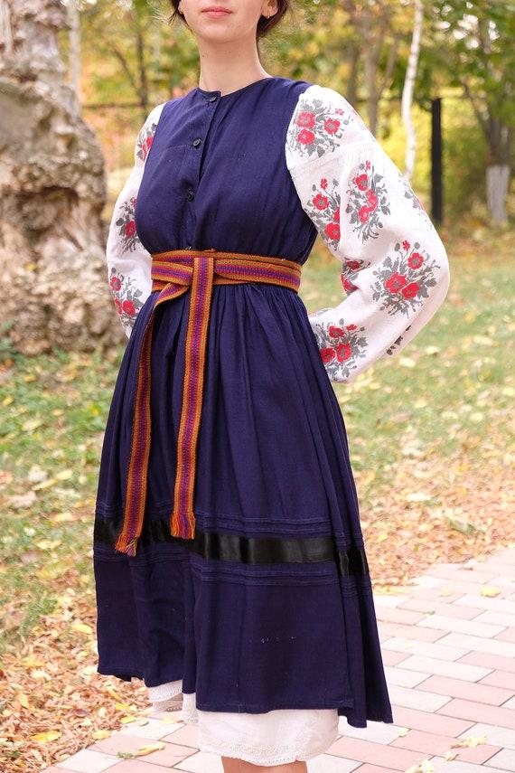 Ukrainian dress! Embroidered Ukrainian vintage dr… - image 10