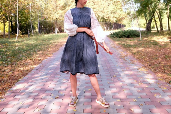 Antique sundress with POCKETS! Beautiful antique s