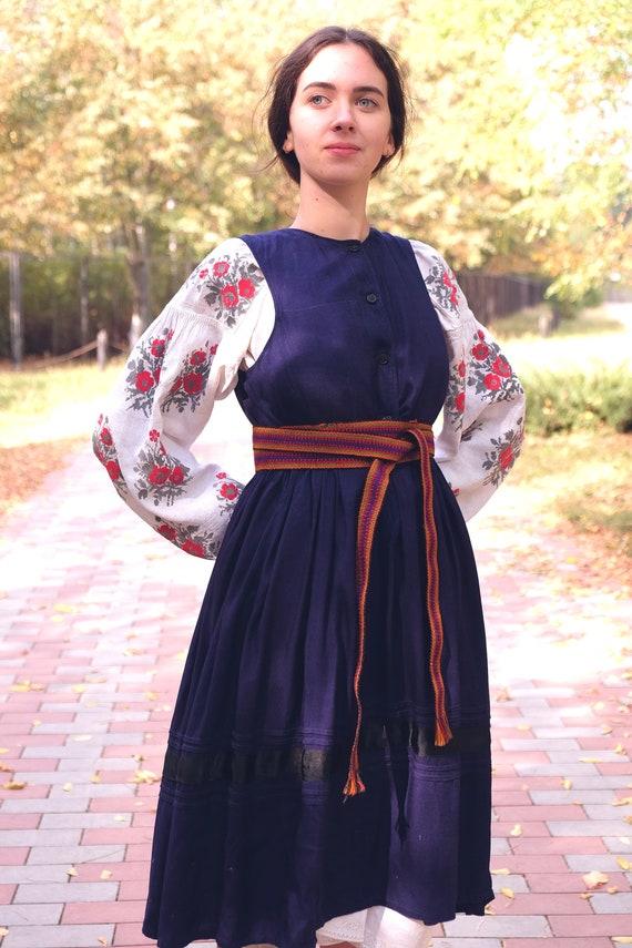 Ukrainian dress! Embroidered Ukrainian vintage dr… - image 9