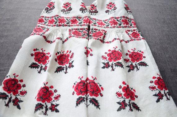 Unusual vintage dress Framed folds Bright floral e