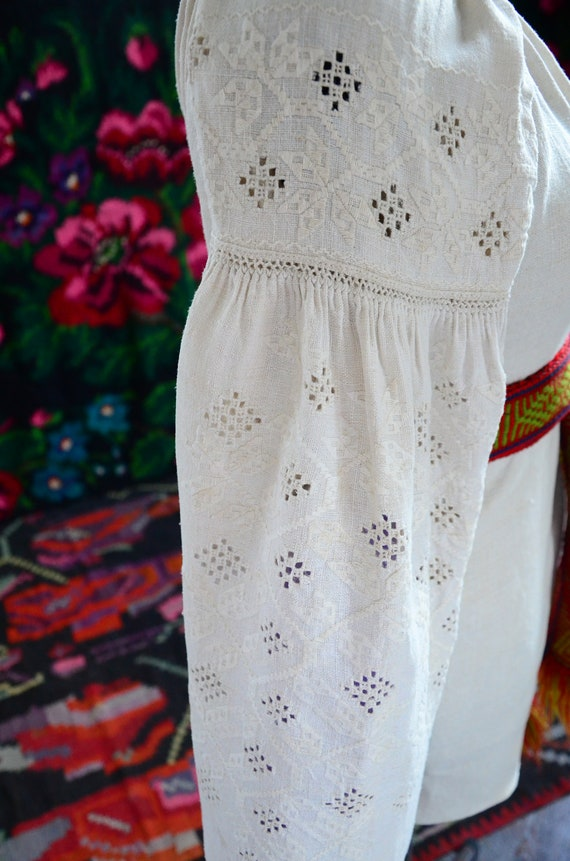 COLLECTIBLE Ukrainian dress!!! Unique cutting wor… - image 8
