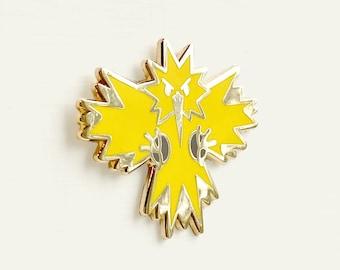 Zapdos Enamel Pin | Pokemon Gift - Pokemon Pin - Pokemon Jewelry - Pokemon Enamel Pin - Cute Pokemon - Bird Gift - Anime Gift - Pokemon Art