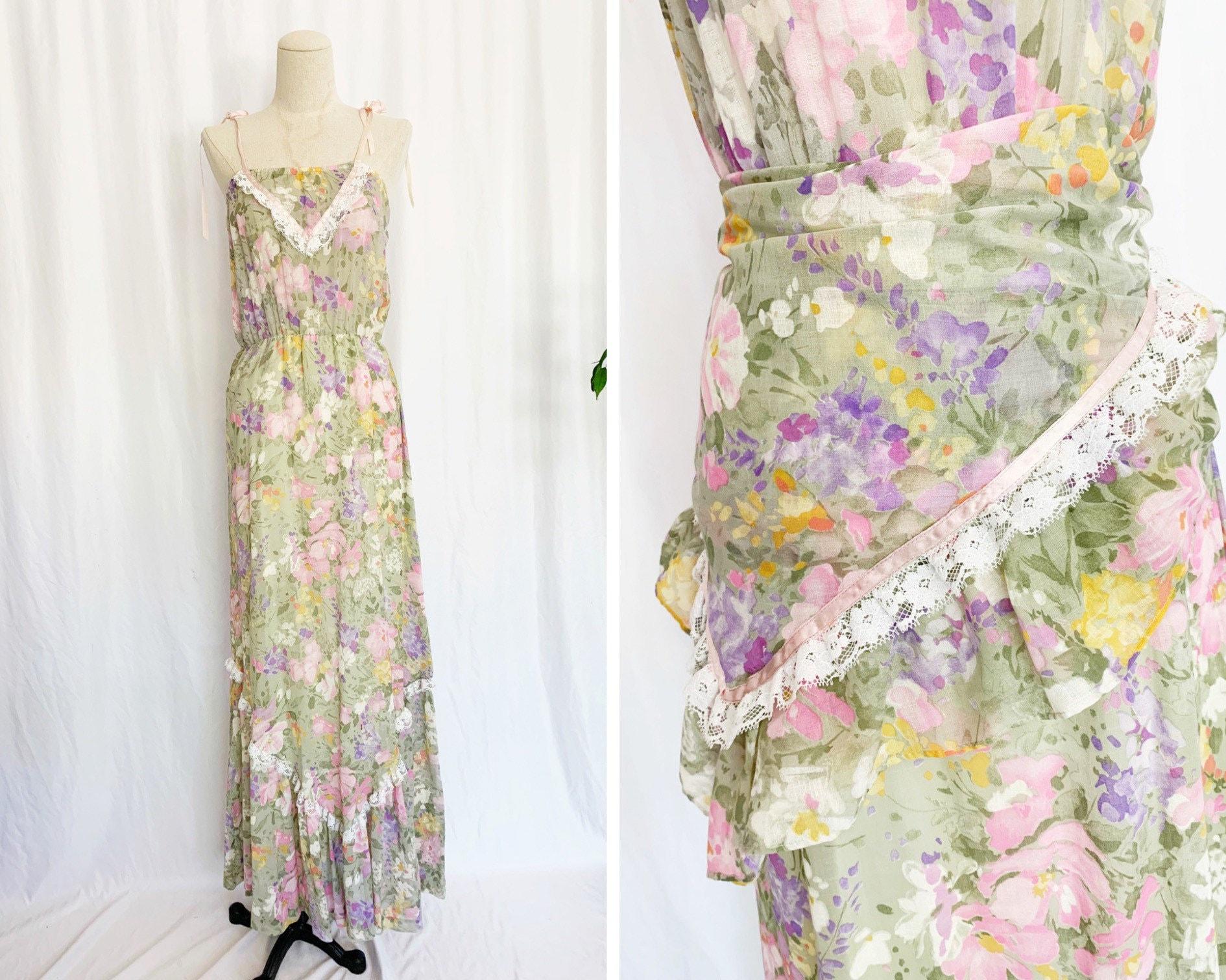 Vintage Scarf Styles -1920s to 1960s 1970s XsS Floral Prairie Dress  Scarf $30.00 AT vintagedancer.com