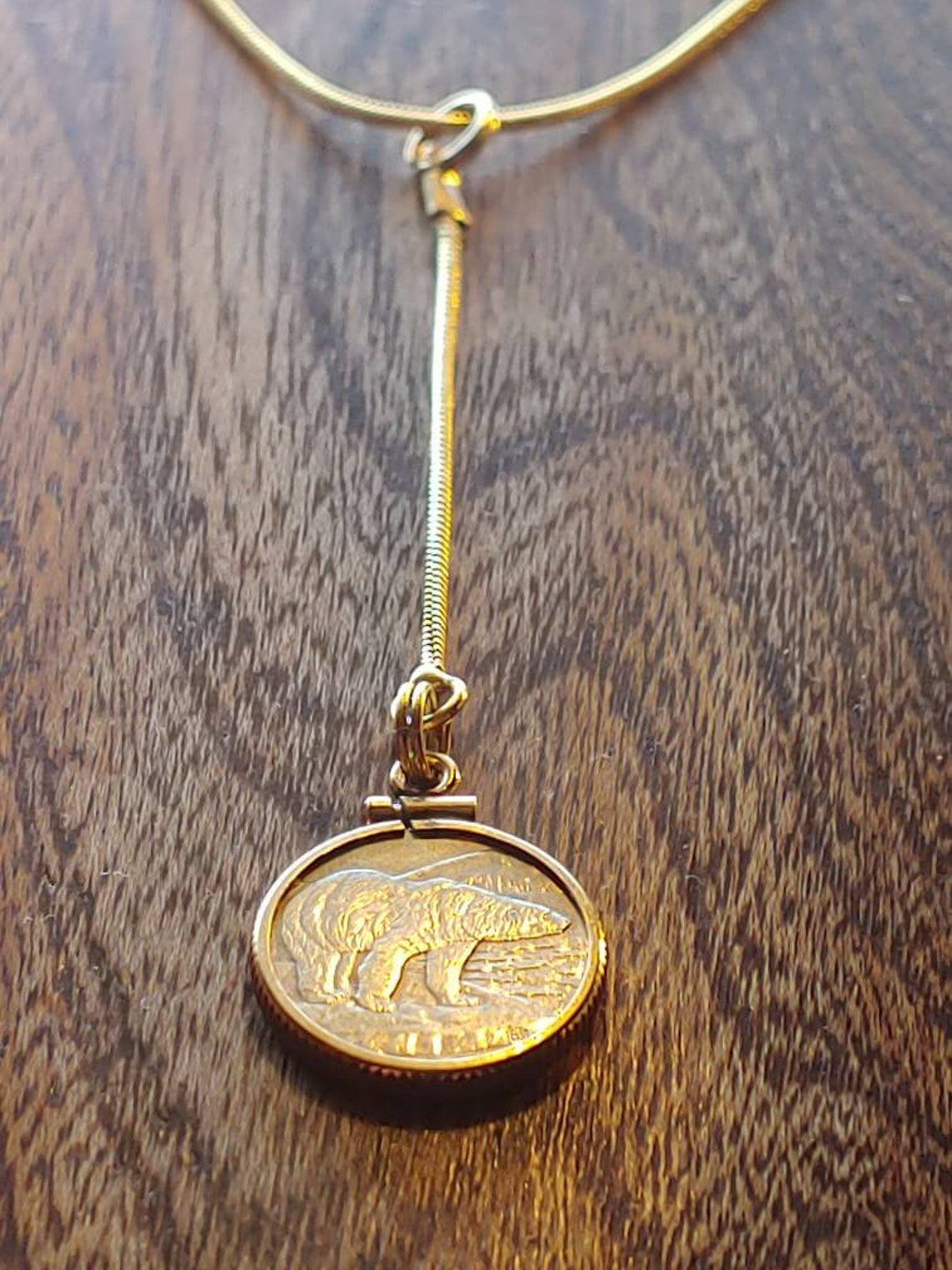 Y Necklace Polar Bear Classic hanging coin pendant You