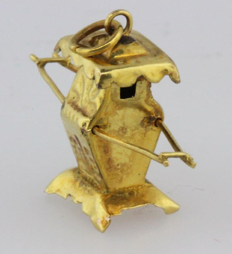 Chinese /'Rickshaw/' Charm in 14ct Gold