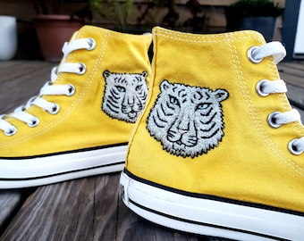 58a159ad875 Hand Embroidered Tiger Converse
