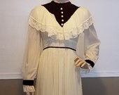 Early 1900 39 s 1970s Victorian Edwardian Gunne Sax Style style floor length vintage made, Sheer Cream Costume, Reenactment Prairie dress