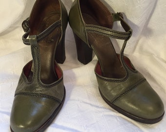 9c6cc0f8a79a Vintage Olive Green T Strap Platforms 7.5 Gaymode for JC Penney made in  Brazil