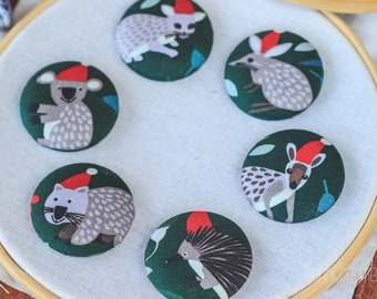 Australian Christmas Critter Magnetic Needle Minder Buttons || Large [38mm] Pair