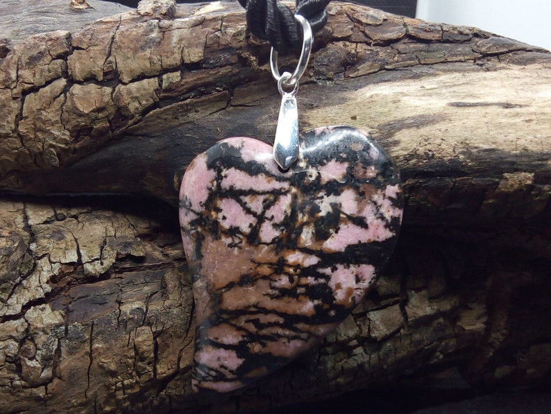 Sweet Heart B9454 37 mm x 40 mm x 6.3 mm Charming Pink Rhodonite Big Heart Pendant