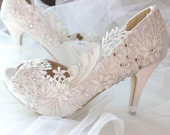 3b092251b53 Wedding shoes   Etsy