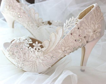 Wedding shoes bridal shoes high heel Satin wedding crystal shoes wedding  lace shoes d0ebf6361588