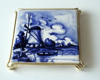 Handpainted coaster Delft 1960s 1970s ceramic tile tile blue white windmill retro mid century trivet pot stand Netherlands