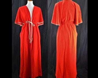 70 s Vintage Vanity Fair Red Fleece Robe   Nightgown 628048456