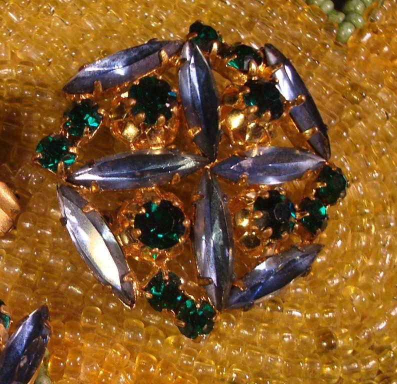 Vintage AUSTRIAN JEWELRY SET Made in Austria Green Brooch /& Clip-On Earrings Beautiful Blue Excellent Vintage Condition!!