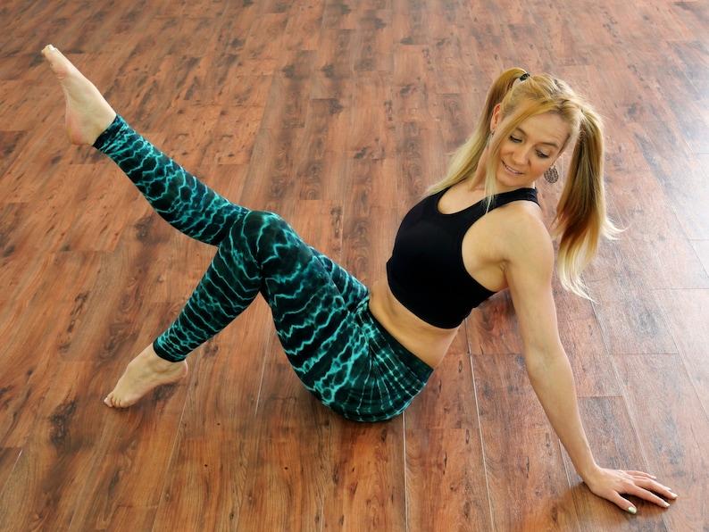 stretch and strong ~ High waist ~ Blue batik ~ The Ocean Leggings Leggings ~ Active wear ~ Yoga tights ~ Super soft