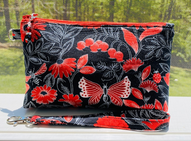 Perfect Zip Wristlet Bag Midnight flowers