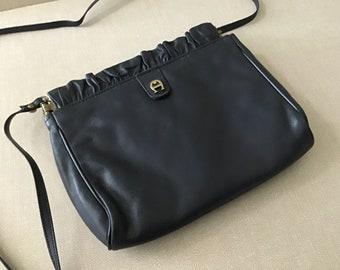 f5c711376f57f Navy blue handbag | Etsy