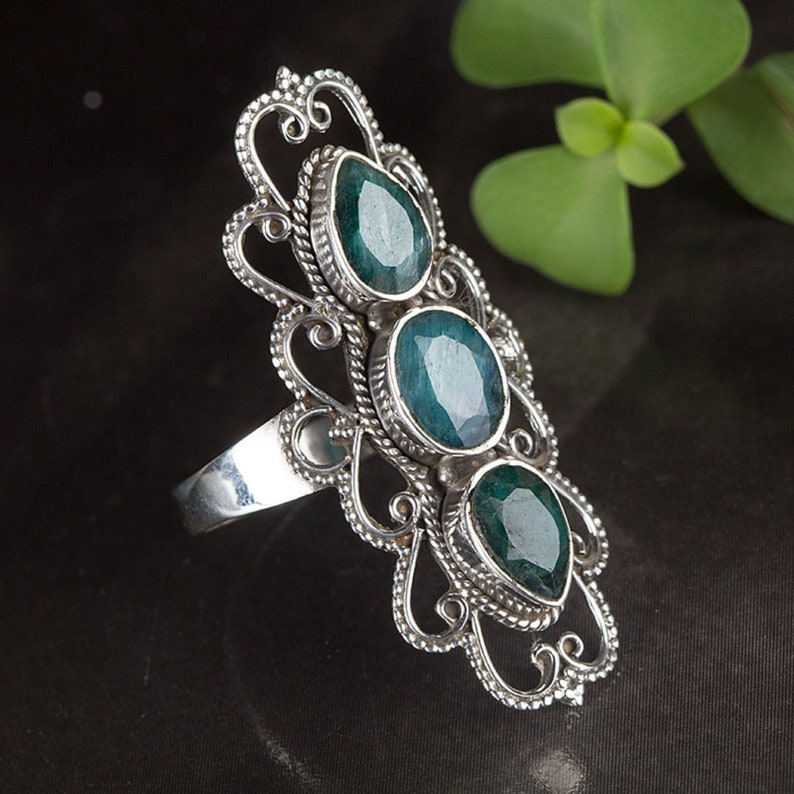Strong and protection ring Emerald ring in Sterling Silver Tri-stone Emerald Beautifully Crafted ring Gemstone Jewelry May Birthstone