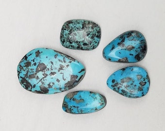Cabochons and rough