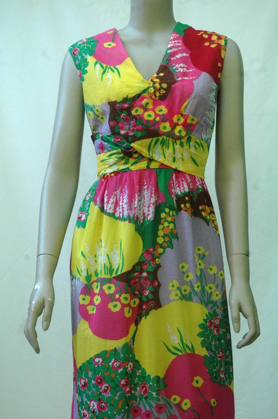 Vintage 1960s Psychadelic Floral Cotton Maxi Dress - image 4