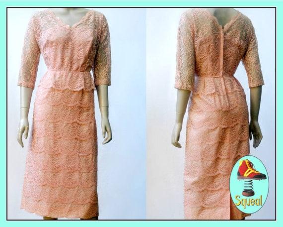 Vintage 1950s Tiered Lace Dress (Med)