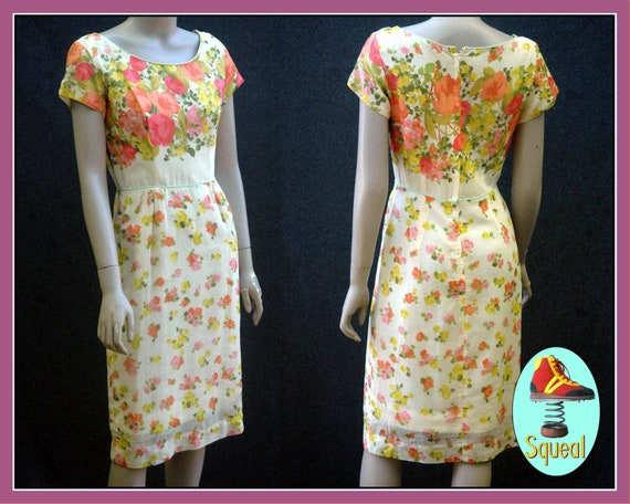 Vintage 1950s Floral Border Print Dress (small)