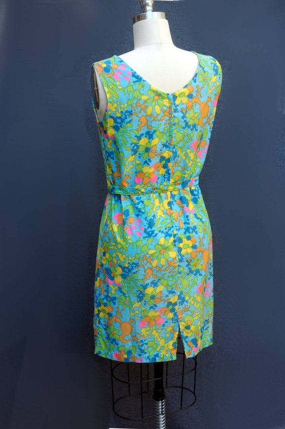 Vintage 1960s Psychadelic Cotton Shift Dress with… - image 3