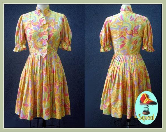 Vintage 1960s Psychadelic Swirl Print Shirtwaist D