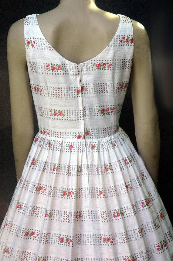 Vintage 1950s Cotton Rose Print Dress (small) - image 7