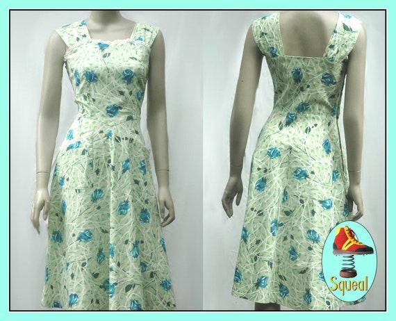 Vintge 1940s Rose Print Dress