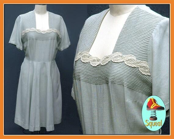 Vintage 50s Pale Green Linen  Dress (Large)