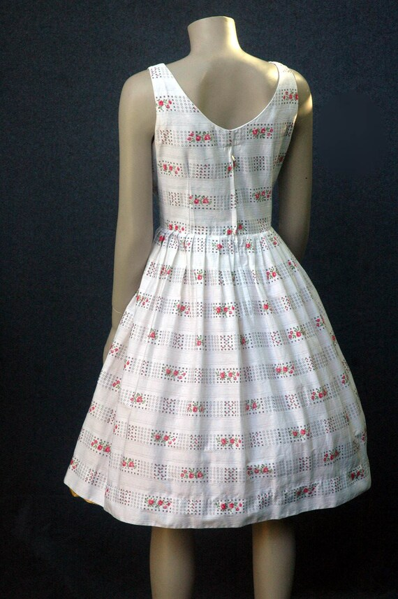 Vintage 1950s Cotton Rose Print Dress (small) - image 5