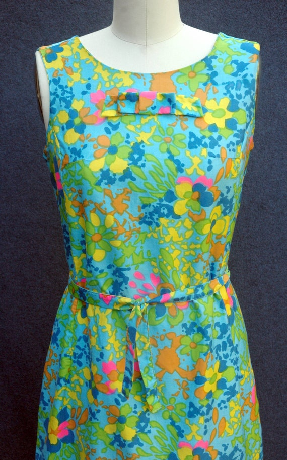 Vintage 1960s Psychadelic Cotton Shift Dress with… - image 5