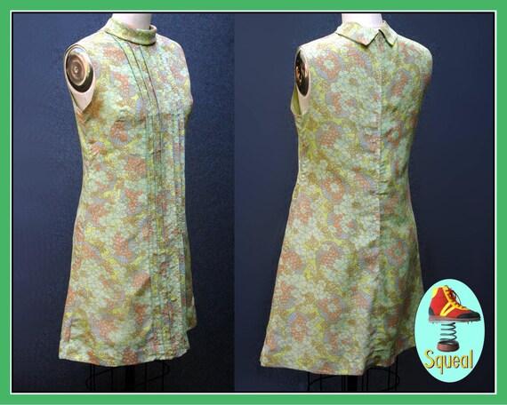 Vintage 1960s -70s Pastel Green Floral Shift Dress