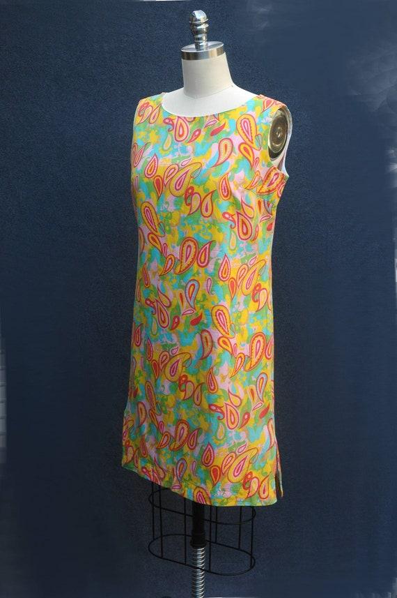 Vintage 1960s Psychadelic Cotton Shift Dress - image 2