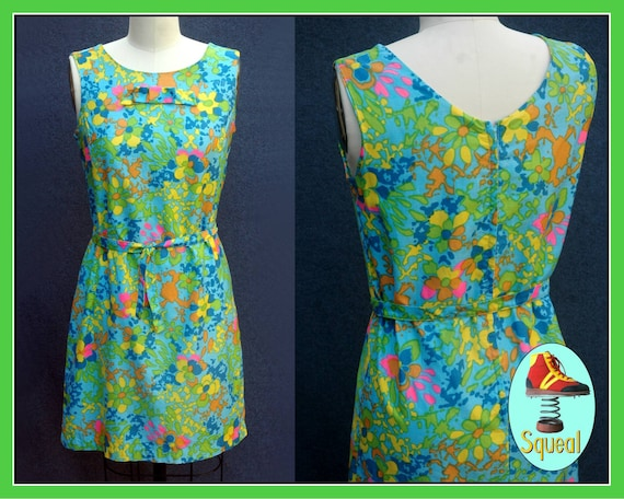 Vintage 1960s Psychadelic Cotton Shift Dress with