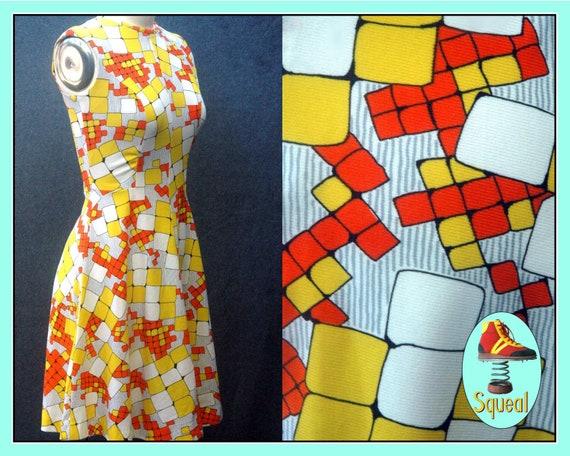 Vintage 1960s Op Art Geometric Mini Dress