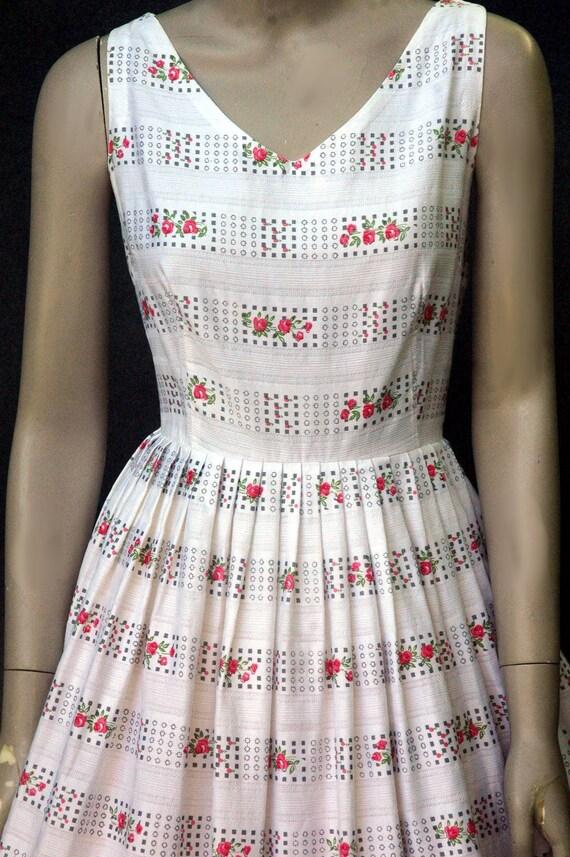 Vintage 1950s Cotton Rose Print Dress (small) - image 6