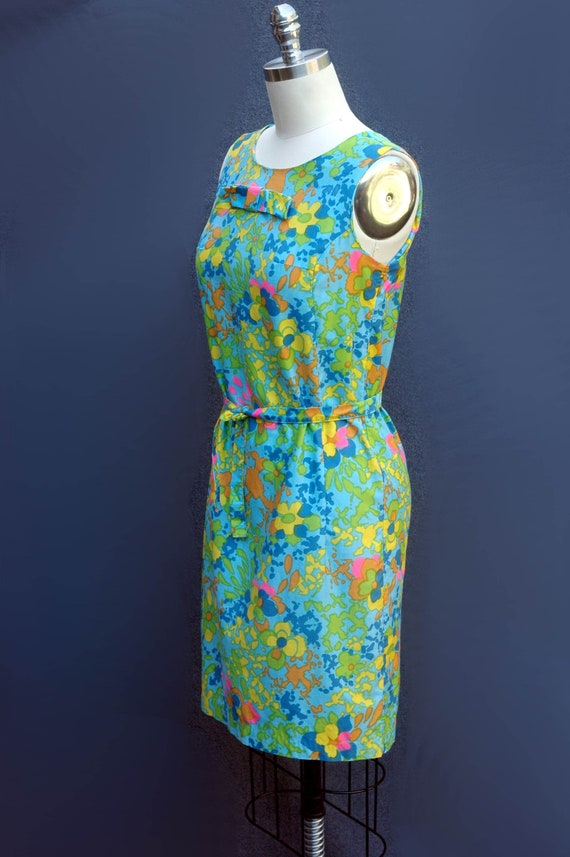 Vintage 1960s Psychadelic Cotton Shift Dress with… - image 4