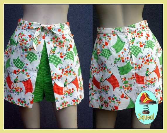 Vintage 1960s Novelty Print Mini Skirt Shorts