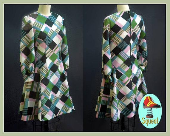 Vintage 1970s Green Geometric Print Dress