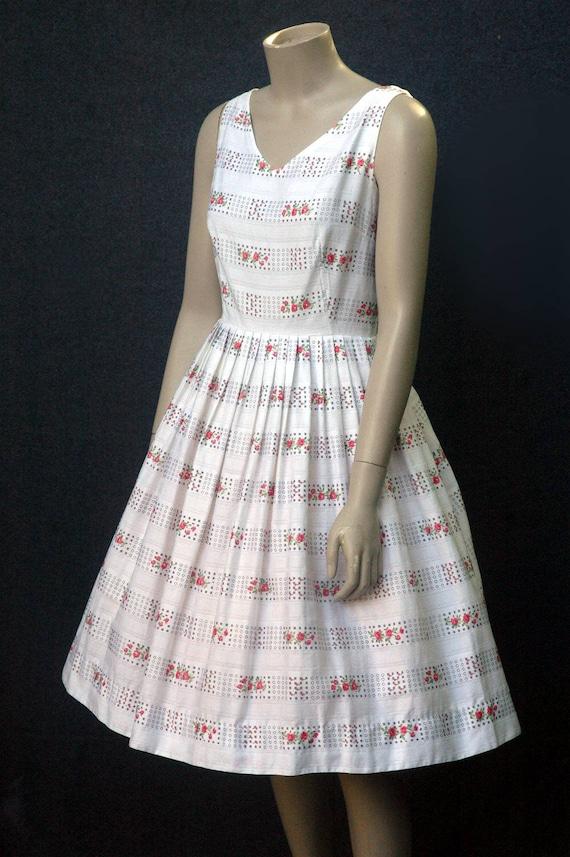 Vintage 1950s Cotton Rose Print Dress (small) - image 2