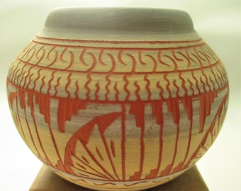 ed2e149286 Navajo pottery bowl signed 4x3